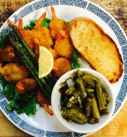 Clinton, AR: Butterfly Shrimp Dinner with Sides