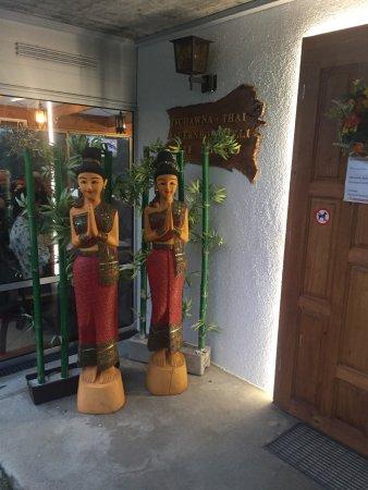 Kerns, Suisse : Sehr feines Essen, tolle Aussicht und natürlich ein thailändisches Bier