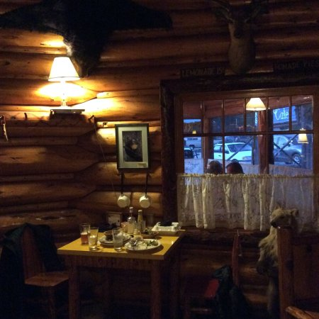Log cabin cafe bed breakfast silver gate mt b b for Log cabin cafe