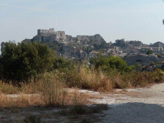 Les Baux de Provence, Frankrike: Les Baux vue des carrières