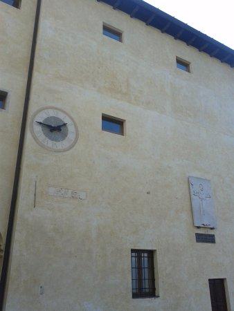 Ameno, Italien: parete laterale