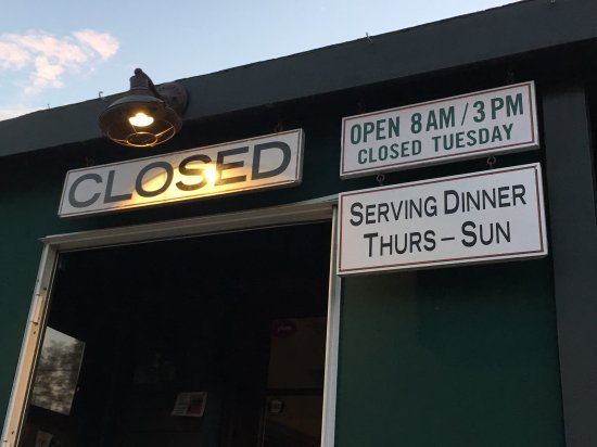 Sag Harbor, NY: Check the opening times