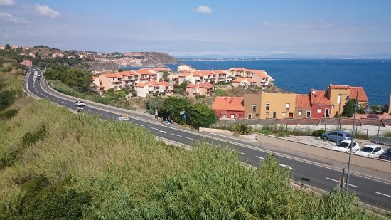 Port-Vendres, Frankrike: Vista desde la terraza donde está la piscina