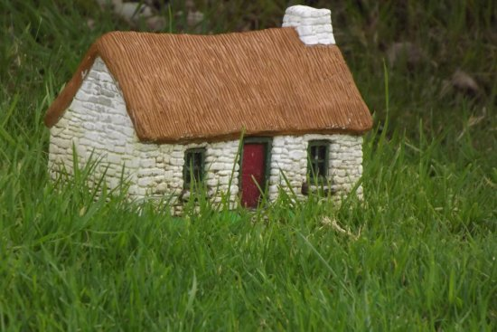 Glencolmcille Folk Village: Little house