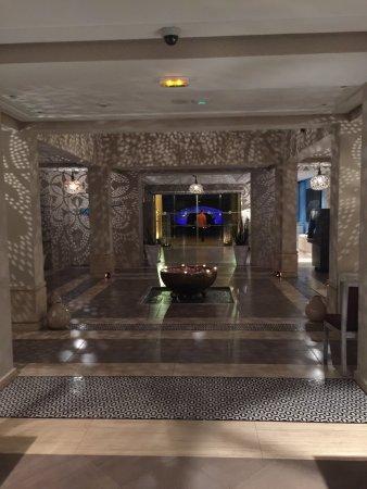 Paradis Plage Surf Yoga & Spa Resort: Beautiful entrance of the hotel