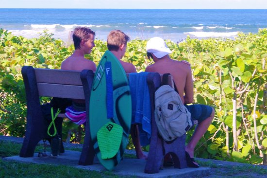 Hobe Sound, FL: SURF AND SURFERS