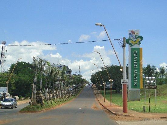 Puerto Iguazu: Entrada da cidade..01/13