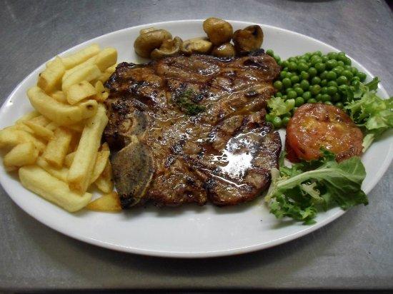 Athens Greek Restaurant & Steakhouse: T.BONE STEAK, AND TRIMMINGS.MMMM