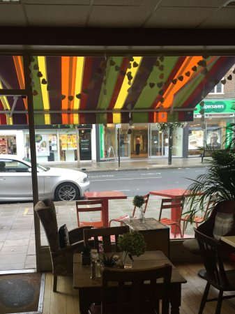 Ruislip, UK: Quirky cafe in your local high street