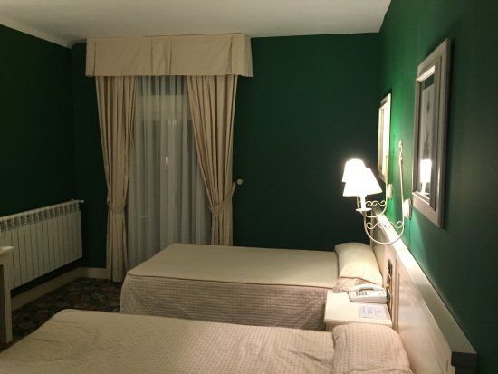Hotel Leonor Miron Photo