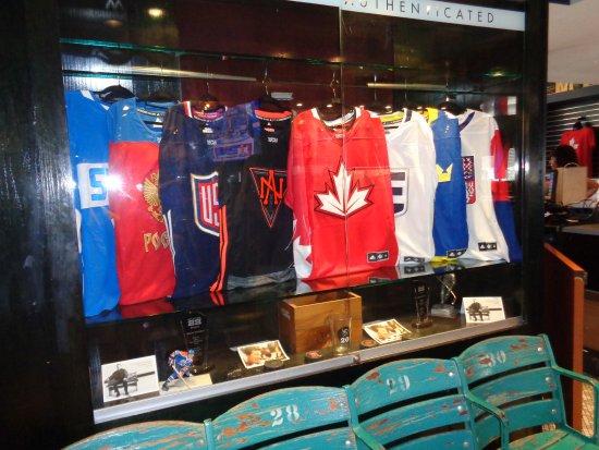 Wayne Gretzky's Toronto : lite om vad som finns inne i sportbaren