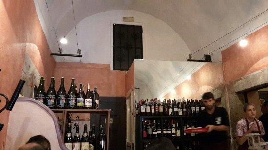 Roccasecca, Italien: 20160917_211641_large.jpg
