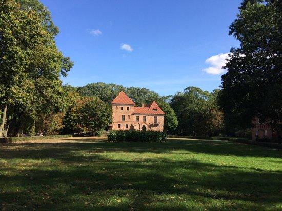 Kutno, Poland: Zamek w Oporowie - Muzeum