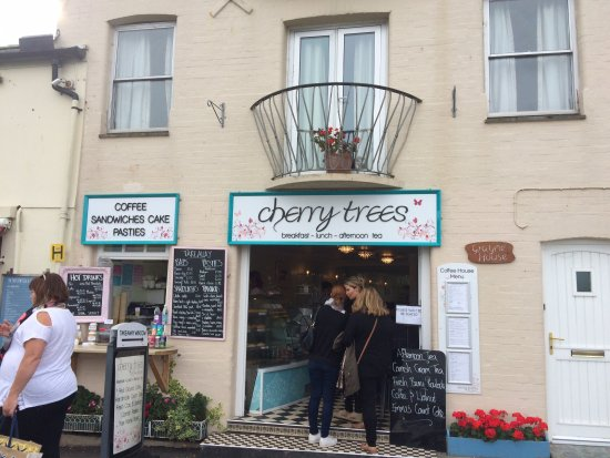 Cherry Trees Coffee House: Outside view of Cherry Trees