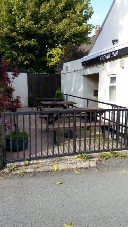 Montgomery, UK: The Crown Inn Beer Garden