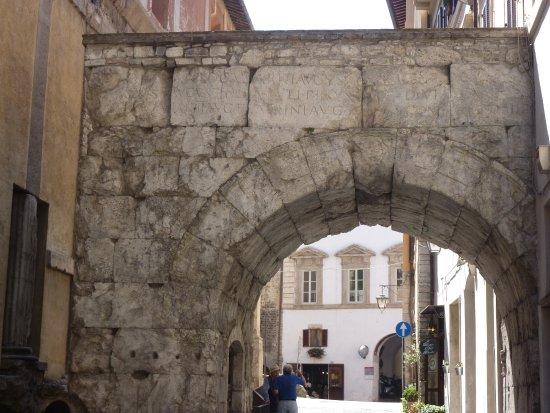 Сполето, Италия: Arco di Druso e Germanico