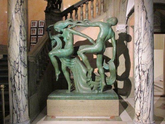 Brunnen Im Innenhof 1 Picture Of Hallwyl Museum