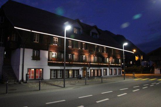 Matten bei Interlaken, Swiss: Gasthof Hirschen - At night