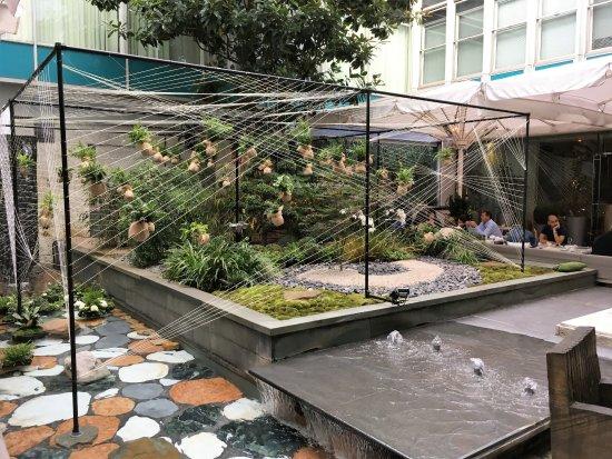 Sanderson London Hotel: Hanging Water Gardens