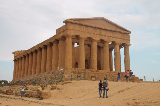 Valley of the Temples (Valle dei Templi): Valle dei Templi - Parco archeologico Agrigento
