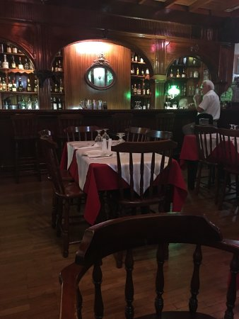 Saloon Piano Bar Restaurant : photo1.jpg