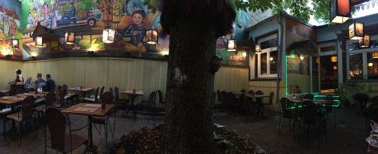 Ban Thai: patio