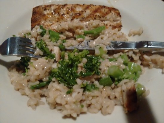 The Red Snapper: Mahi Mahi with risotto with mushrooms and brocoli