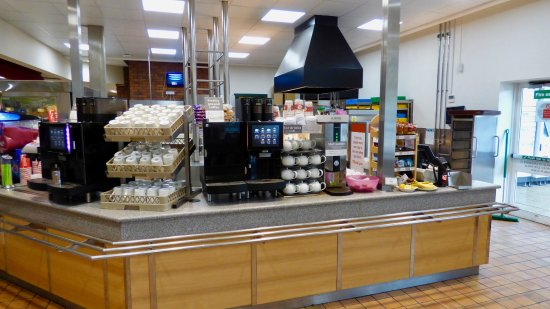 Ormskirk, UK: Hot drinks machines of tea and various types of coffee.