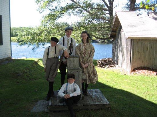 Sherbrooke, Canadá: Children in period costume