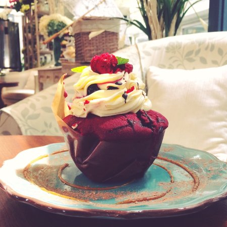 Curepipe: Red Velvet cup cake