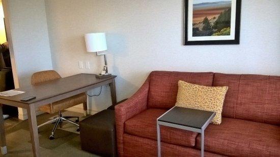 Камарильо, Калифорния: Escrivaninha e sofá