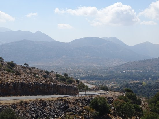 Lasithi Prefecture, Grecia: Taken from the Taverna at the entrance to the Plateau.