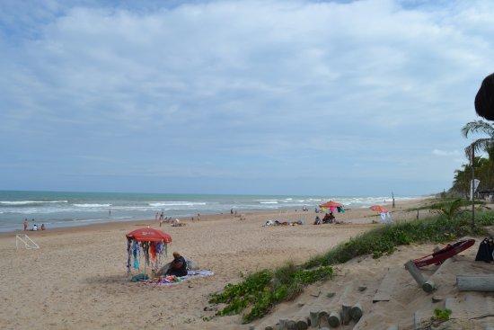 Grand Palladium Imbassai Resort & Spa: La playa del hotel. Hartas olas, no apta para nadar, pero si para pasar un rato agradable