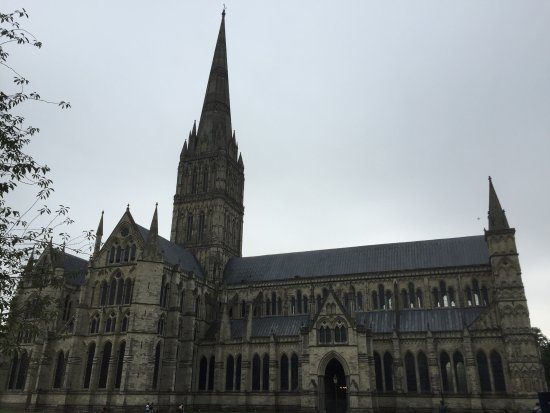 Salisbury, UK: Exterior of the Cathedral