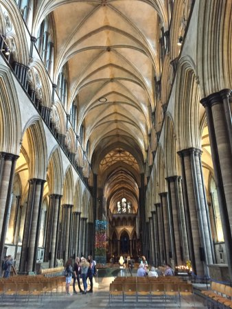 Salisbury Cathedral: The long hall