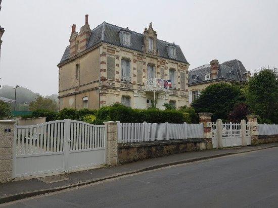 Arromanches-les-Bains, Frankrig: 20160606_133437_large.jpg