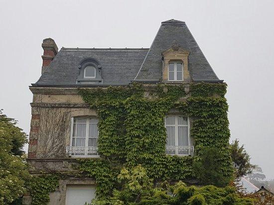Arromanches-les-Bains, Frankrig: 20160606_133532_large.jpg