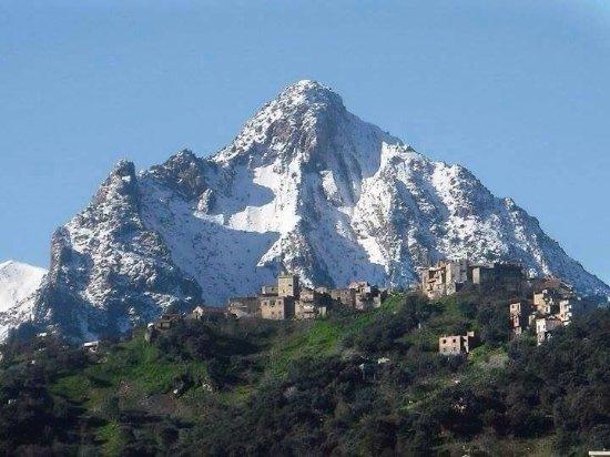 Tizi Ouzou, Αλγερία: Les montagnes de la Kabylie