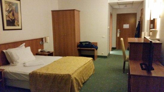 camera da letto matrimoniale uso singolo. Amplissima - Bild von ...