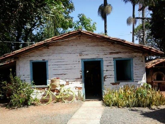 Holambra: Uma das casas da época, toda montada com elementos da época.
