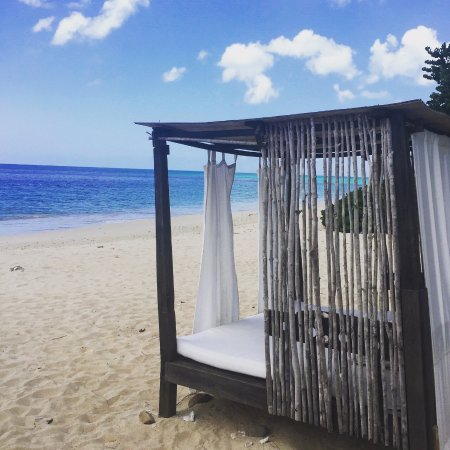 Turners Beach, Antigua: A beach cabana