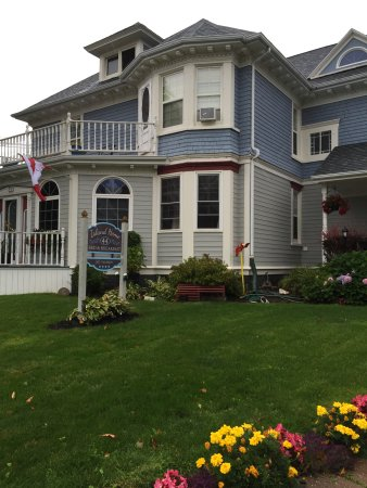 Island Home Bed and Breakfast : Island Home B&B front