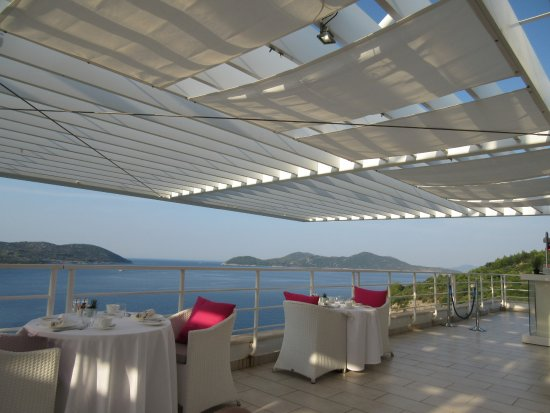 Orasac, Croacia: Rooftop breakfast (available weather permiting and at extra cost)