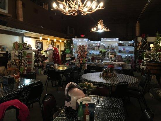 Linden, VA: Lots of stuff!
