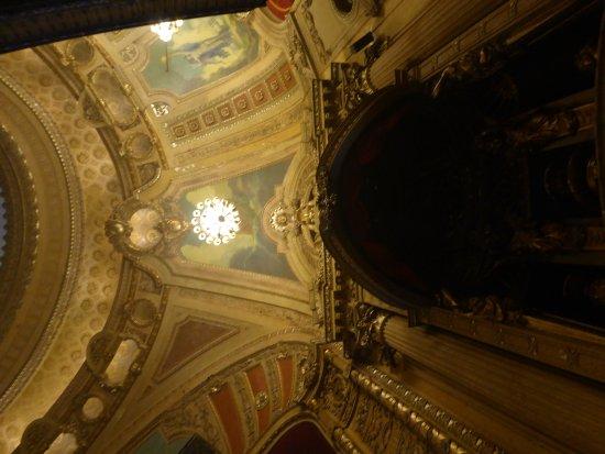 The Chicago Theatre: Interior