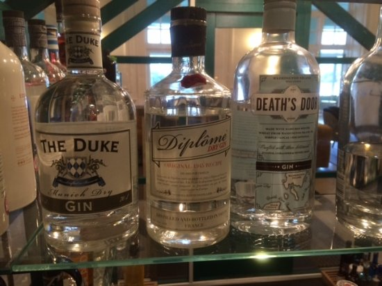 Peebles Hydro: Huge selection of special gins in the bar
