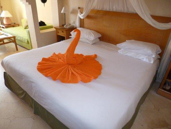 The Makadi Palace Hotel: Towel Sculptures