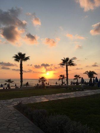 Kefalos Beach Tourist Village: Beautiful sunsets, wonderful cocktails