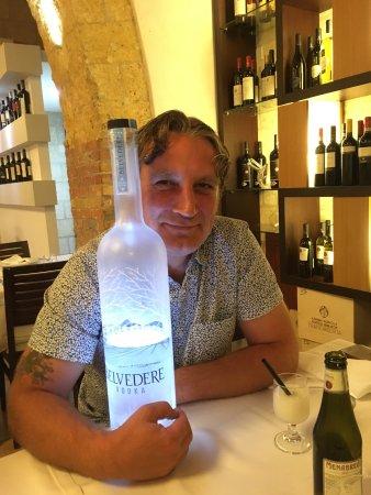 Cerignola, إيطاليا: vodka offerta a fine cena