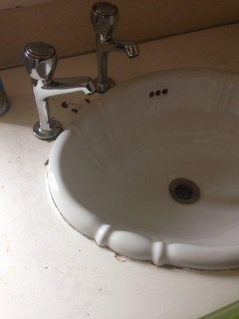 Oldbury, UK: mouldy around taps